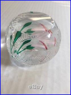 1983 St Louis France Art Glass PAPERWEIGHT TULIP LATTICINO GROUND