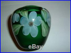 Amazing 1982 Orient & Flume Studio Art Glass Signed Paperweight Style 3 in. Vase