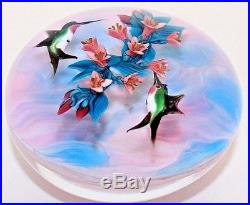 BEAUTIFUL Magnum RICK AYOTTE Hovering HUMMINGBIRDS Flower Art Glass PAPERWEIGHT