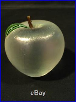Beautiful Signed Orient & Flume Art Glass Apple Paperweight