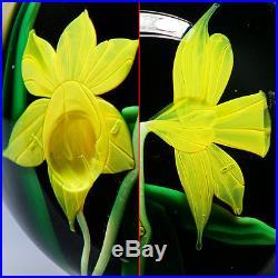 Bruce Sillars Orient & Flume Daffodil Studio Art Glass Paperweight