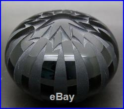 GARY GENETTI Star Engraved Center Art Glass 1982 Paperweight, Apr 3.75W x 2.75H