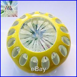 John Deacons double overlay bouquet glass paperweight 1995 / presse papiers