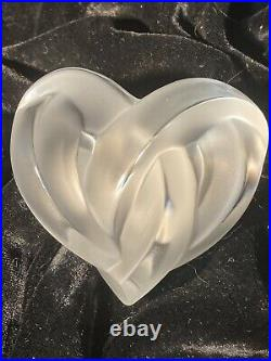 Lalique Coeur Entwined Heart Frosted Clear Crystal Paperweight Figurine