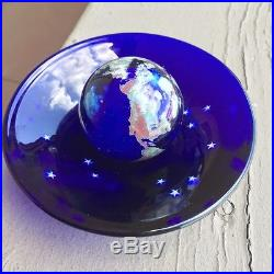 Lundberg Studios World Paperweight/Marble matching bowl/stand 1994 100894