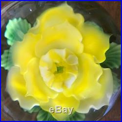 MAGNUM Paperweight DANIEL SALAZAR Yellow ROSE Flower LUNDBERG STUDIO 2003 Mint