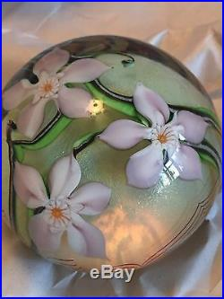 ORIENT & FLUME 1978 C137-K CLASSIC PAPERWEIGHT IRIDESCENT WithFLOWERS SIGNED