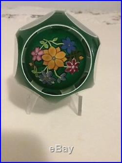 PERTHSHIRE PAPERWEIGHT GREEN DOUBLE OVERLAY BOUQUET 1996F WithBOX AND CERTIFICATE