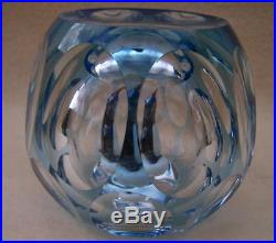 RARE! PERTHSHIRE HOLLOW PENGUIN GLASS PAPERWEIGHT