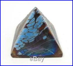 Signed Colin Heaney Iridescent Australian Art Glass Pyramid Paperweight Cbhg 89