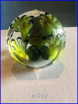 Stuart Abelman Green Blue Frog On Clear Base Paperweight Figurine