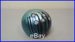 VINTAGE 1977 ORIENT & FLUME BLUE IRIDESCENT ART GLASS PAPERWEIGHT with DRAGONFLY