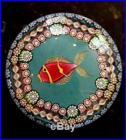 VINTAGE PERTHSHIRE CRIEFF Kissing Fish PAPERWEIGHT MILLEFIORI ART GLASS